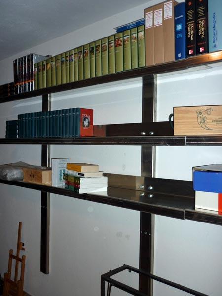 Armadi mobili in ferro modena reggio emilia prezzi for Arredi in ferro battuto per interni