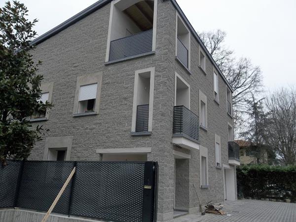 realizzazione-parapetti-anticaduta-per-balconi-provvisori-Reggio-Emilia