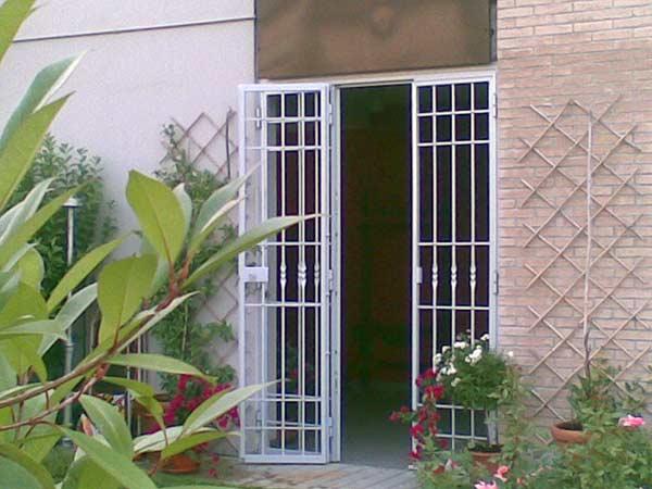 vendita-inferriate-per-finestre-in-ferro-Carpi